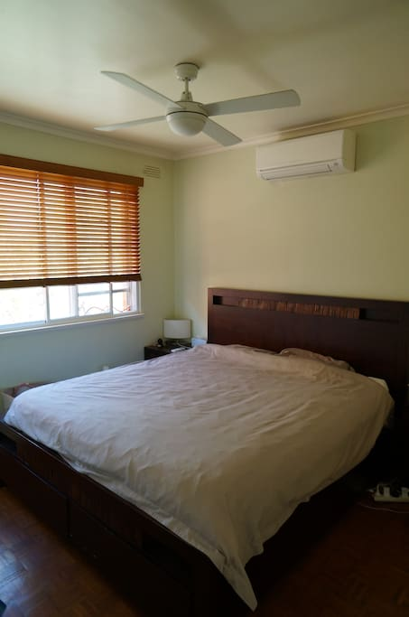 Aircon & Heater in the main bedroom