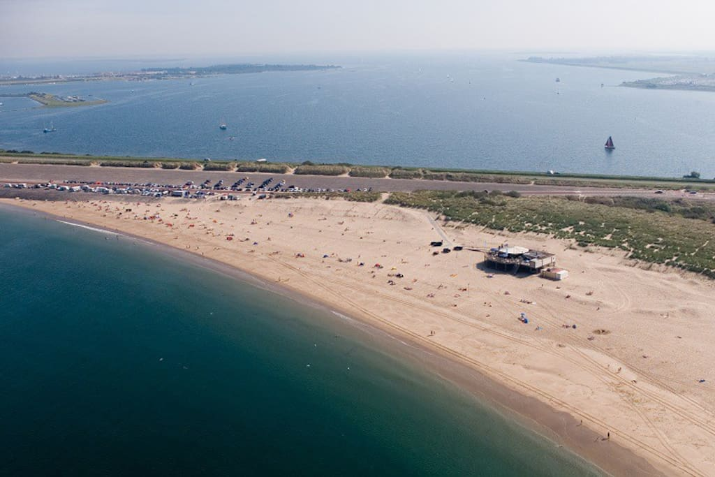 Brouwersdam is the 7th part of the project Deltaworks and now a favorite hotspot for windsurfers and kitesurfers all year round.