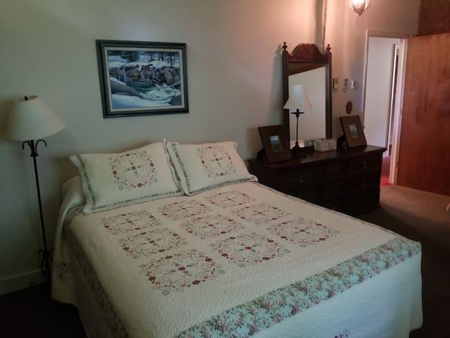 Bedroom 2 - Queen + Twin