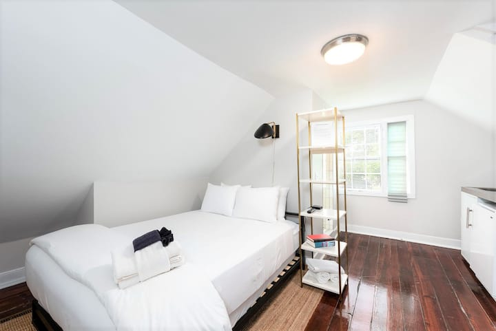 ★ The Inns at 60 Cannon - Fantastic 1 BR / 1 BA ★