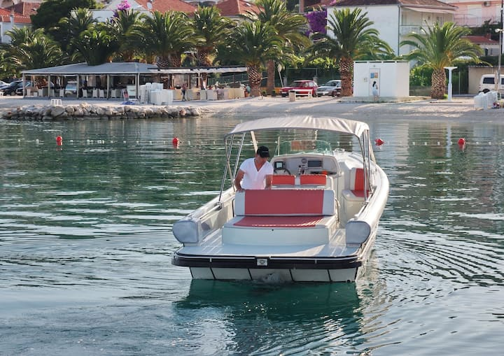 PRIVATE BOAT EXSCURSION FROM SPLIT AND TROGIR !