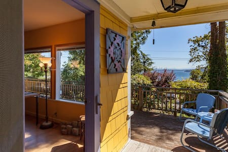 Artist's cottage in historic Chautauqua near beach - Vashon - Maison