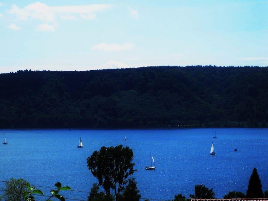 Blick v. d. Ferienwohnung auf Segelboote