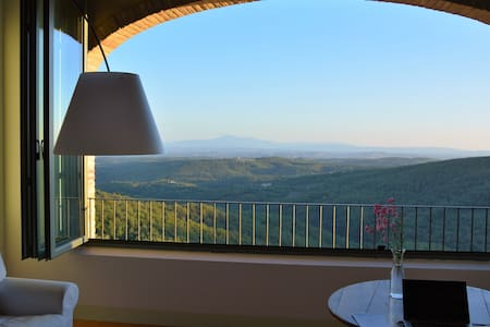 STUNNING VIEWS ON CHIANTI REGION - Rosennano - 一軒家