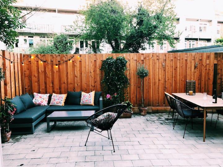Big modern appartement with garden at Vondelpark
