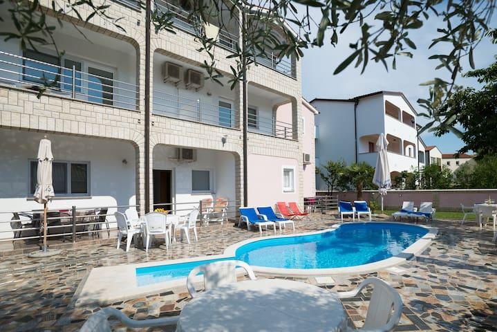 Villa Baldi - house with pool in Tar, Croatia APP2 - Tar - Villa