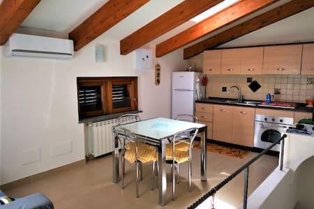 Bomerano Apartments 50 mt from Sentiero degli Dei