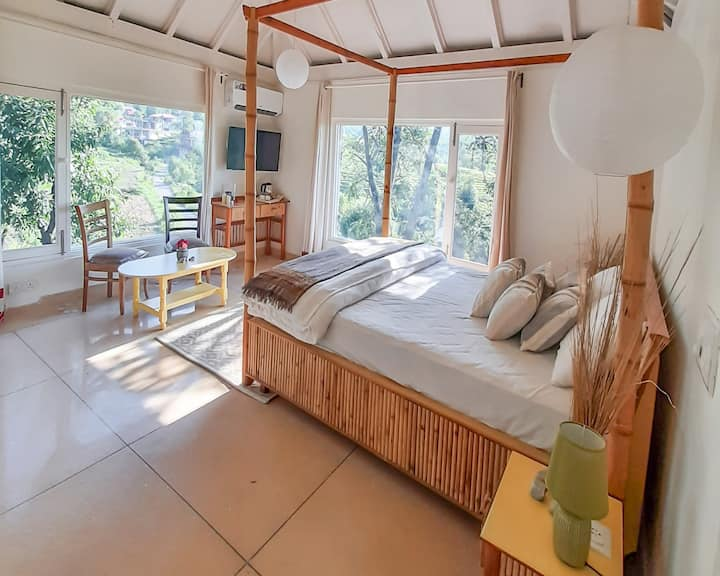 Seclude Palampur - Jugnu Room (Private room)