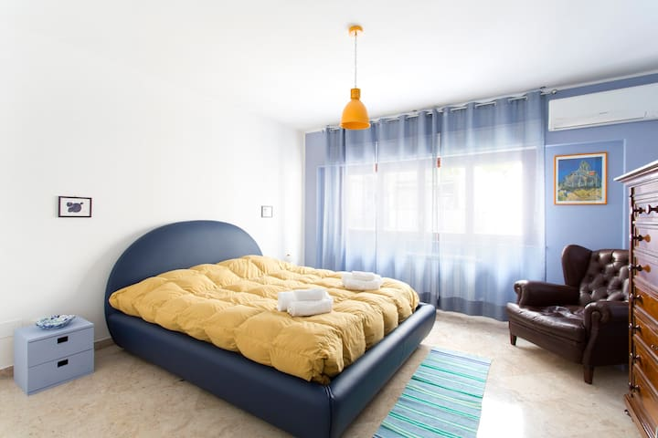 White Marble Central Apartment - Palermo - Daire