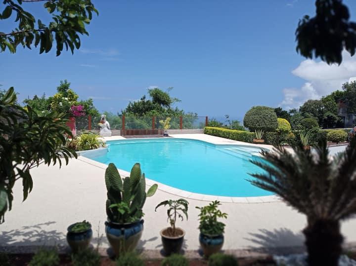 Chambre privative, villa avec vue mer