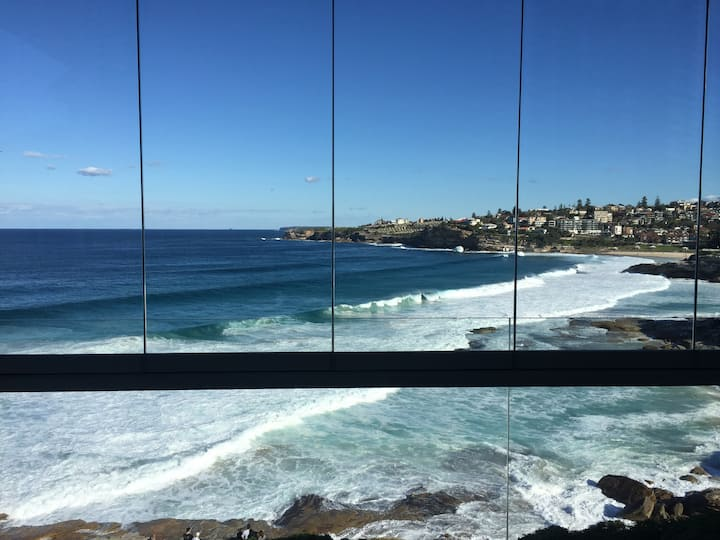 WOW FACTOR GUARANTEED!  Fab Bondi/Bronte location