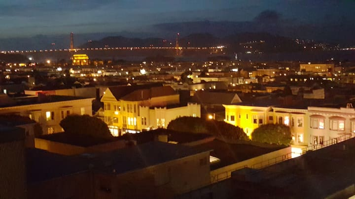 MOST SPECTACULAR VIEW IN S.F.  BIG 1-BDRM - MARINA