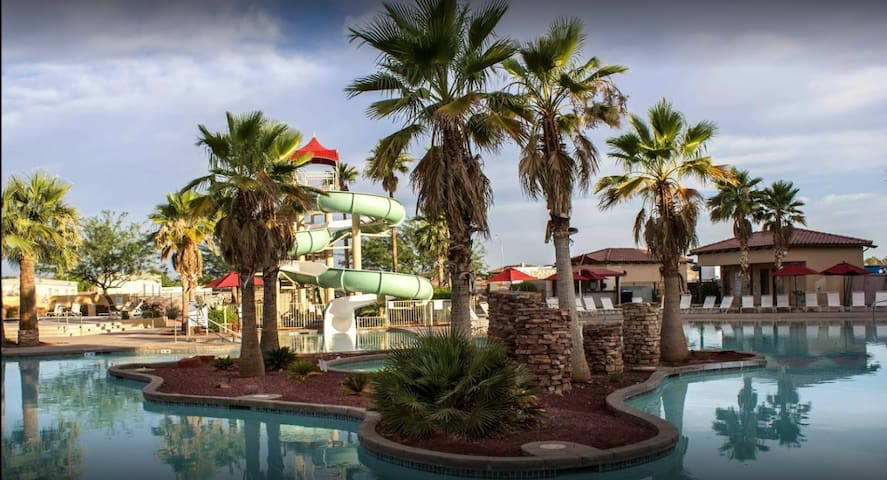 2 Bd Condo: A Resort & Spa with Horseback Riding!