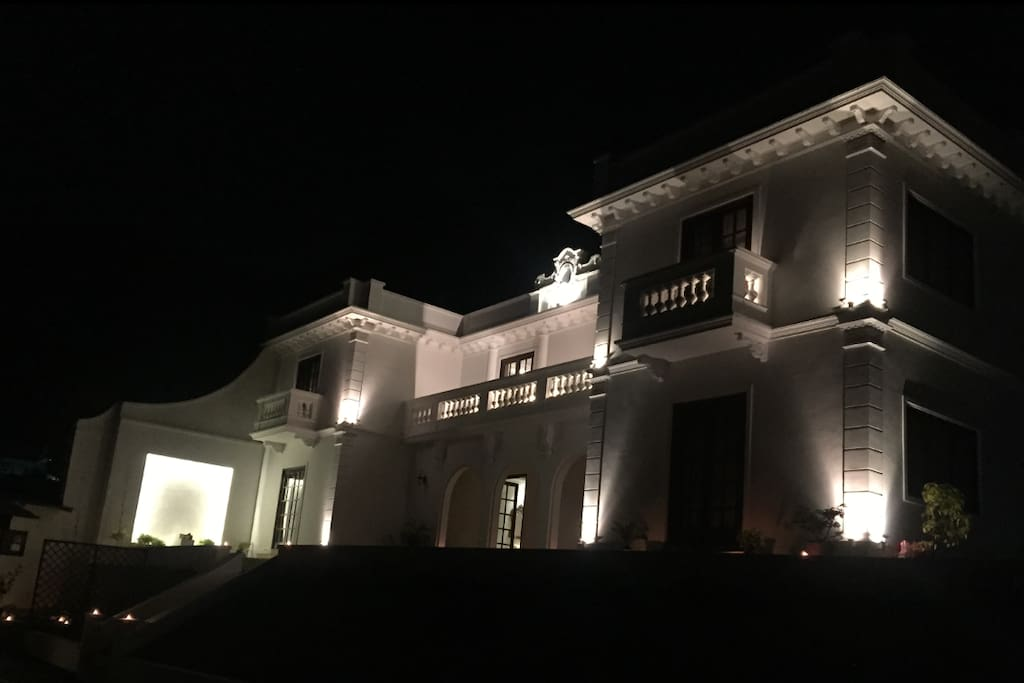 Resu Villa Night View`