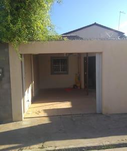 Casa em Paripueira 02 quartos ideal para 02 casais
