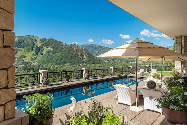 A must to stay ! Aspen Red Mountain, 5BD, pool