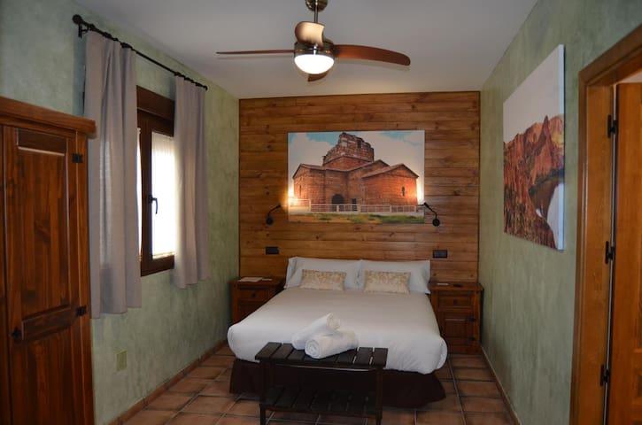 Habitación 1 con cama doble