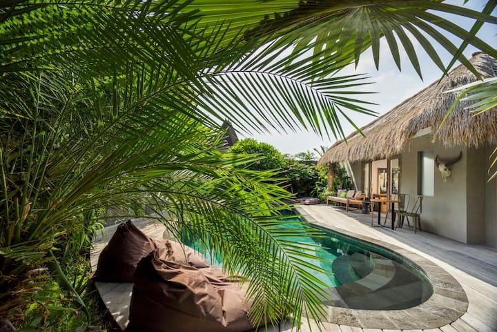 """""""75% OFF"""" Luxury Resort 3 BR Villa Sham"""