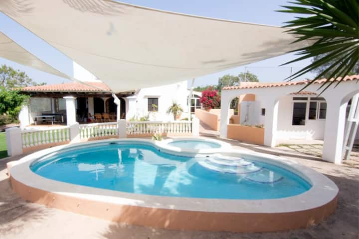 Villa with Swimmingpool and Fronton Court (Ibiza)