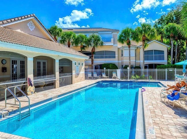 Great location, close to beach and shopping area