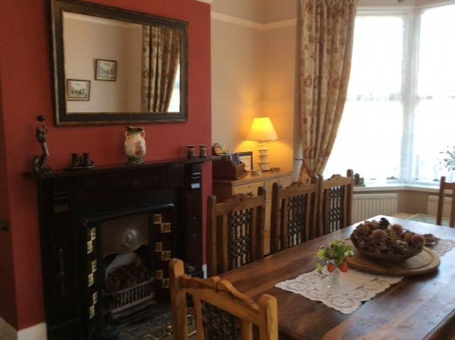 Dolittle Cottage is just 350 yards from the beach