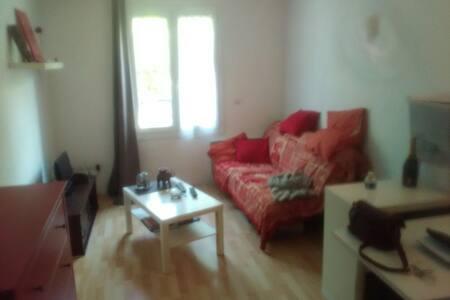 Petit appartement sur Bussy - Appartement