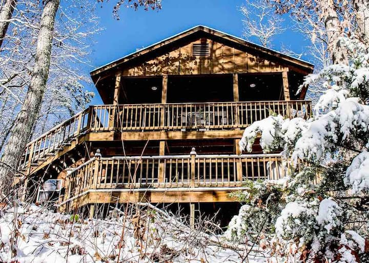 Secluded Mountain Cabin w/ Incredible Views!