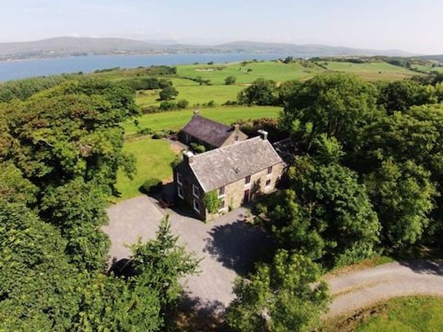 Carbery House 1, Durrus, Co. Cork - Four Bedrooms Sleeps 8 - Durrus