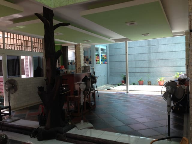 Green house with 2 Bed, breakfast, wifi