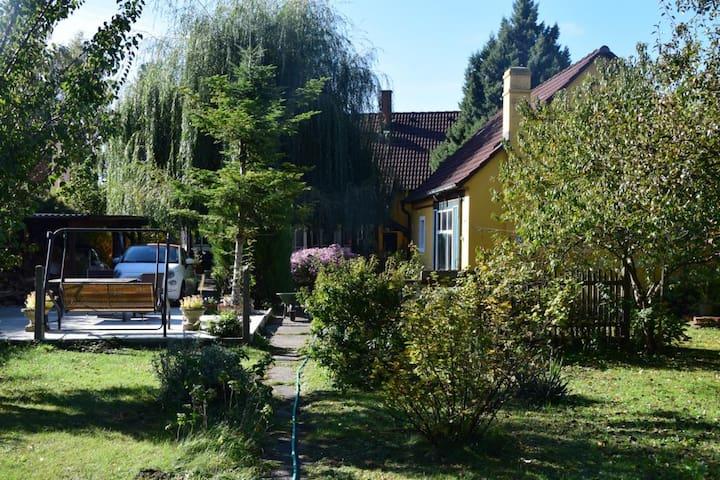 Dachgeschoss - Appartement im idyllischen Landhaus