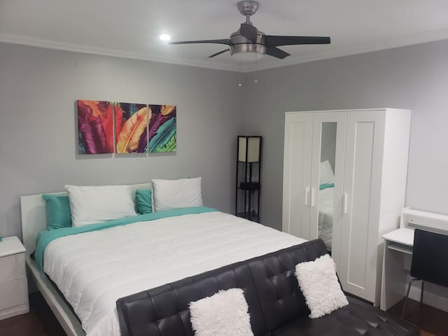 luxury room everything private near to Disney seaw