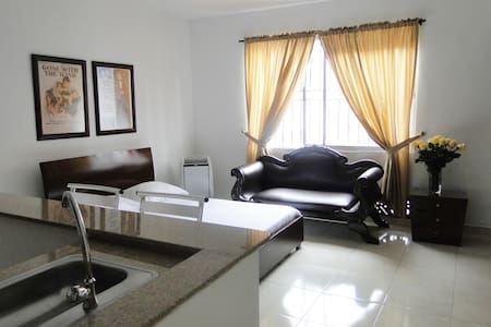 Best Price Cali - Comfortably Furnished Studio Apt