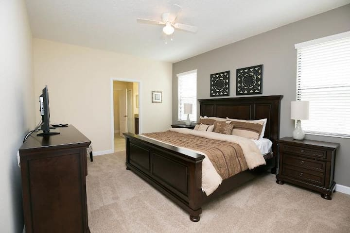 9bed villa in Champions Gate - for Large groups