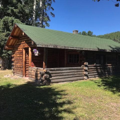 "Clemretta Ranch Resort - The ""Big Cabin"""