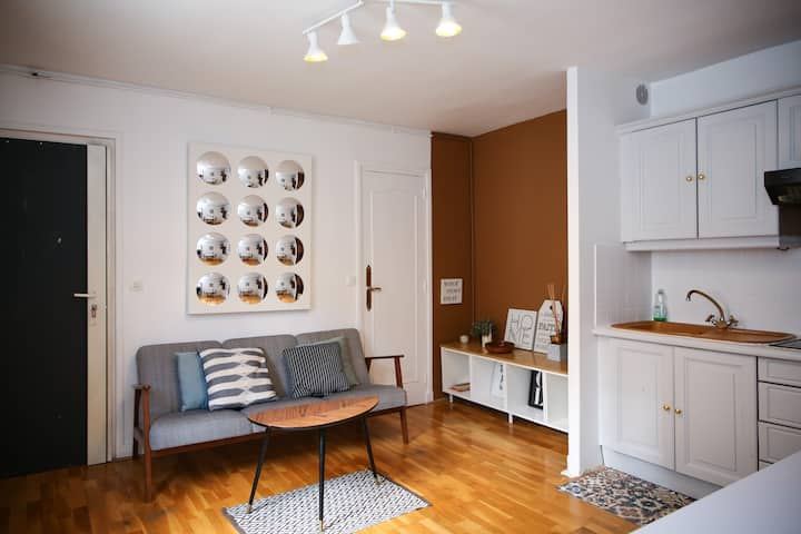 CONFORTABLE FLAT IN NICE AREA