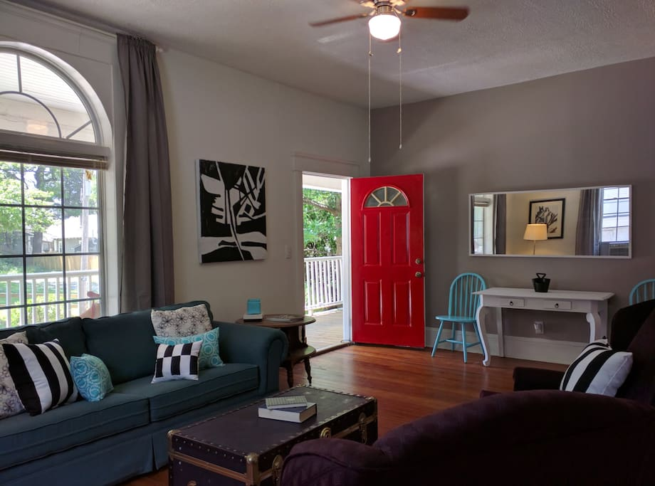 Eclectic Apartment In West Midtown Atlanta Apartments For Rent In Atlanta Georgia United States