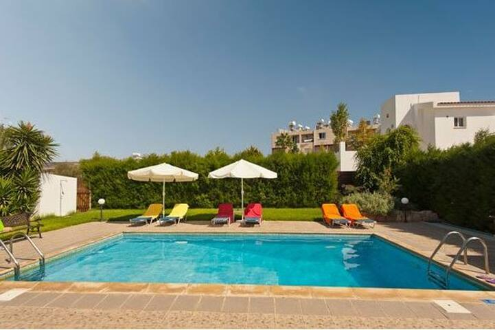 Eleni  Sunset Villas zebrina properties - Peyia - Villa