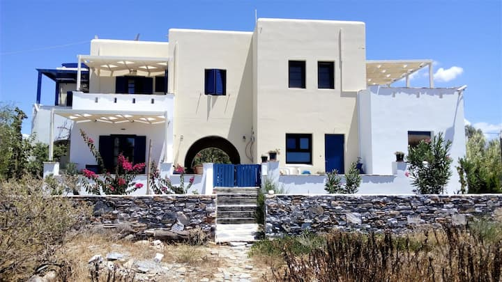 Naxos Seaside Retreat - Akti Bright Escape
