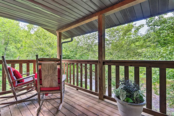 NEW! Riverfront Couple's Retreat in the Smoky Mtns