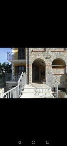 Luminoso Trilocale in Villa in centro ad Acciaroli