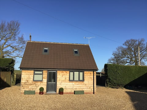 Stylish Coach House 2 double bedrooms and sofa bed