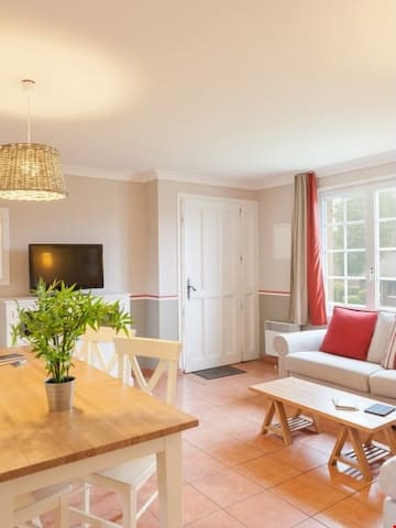 Charming 1 Bedroom Home at Village Normandy Green