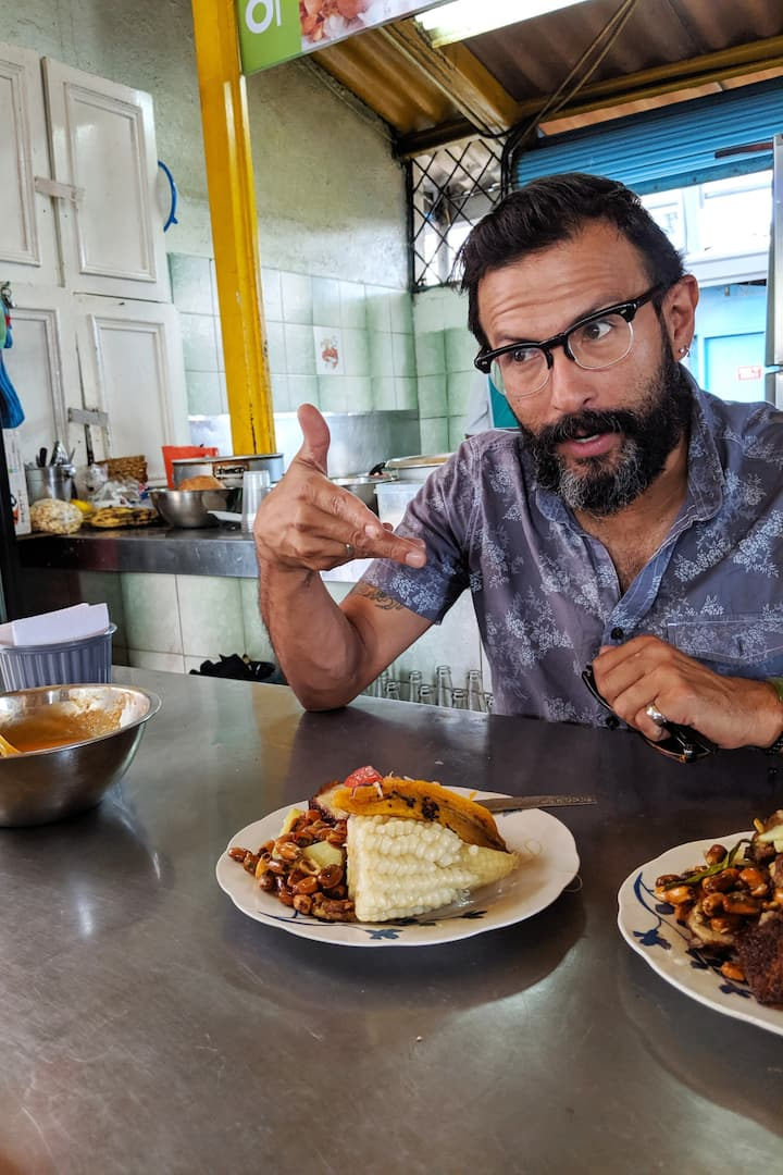 A. Bueno Street food Guru