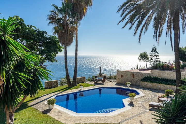 Wonderful apartment in La Herradura. Best seaviews