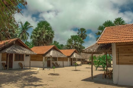 Ocean View Beach Resort - Kalpitiya - 一軒家