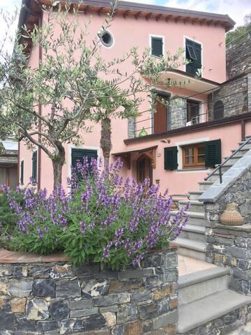 La stanza di Fabrizio e Barbara - Levanto - Casa