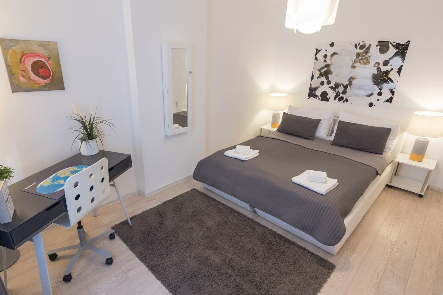 Bed room - double bed