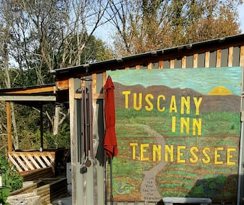 Tuscany Inn TN GRANDE/Private Hot Tub & Courtyard