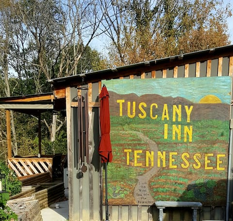 The Grande @ Tuscany Inn Tennessee-Private Hot Tub