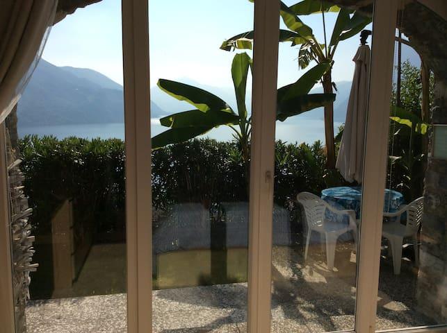 Camera doppia, con giardino privato vista lago